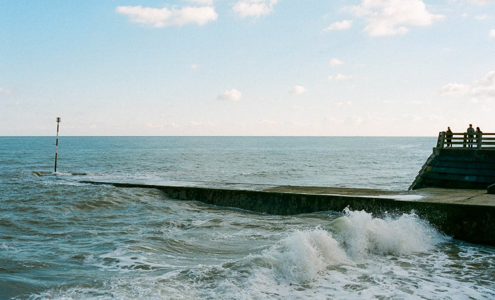 crashing waves high shutter speed nikon fm2