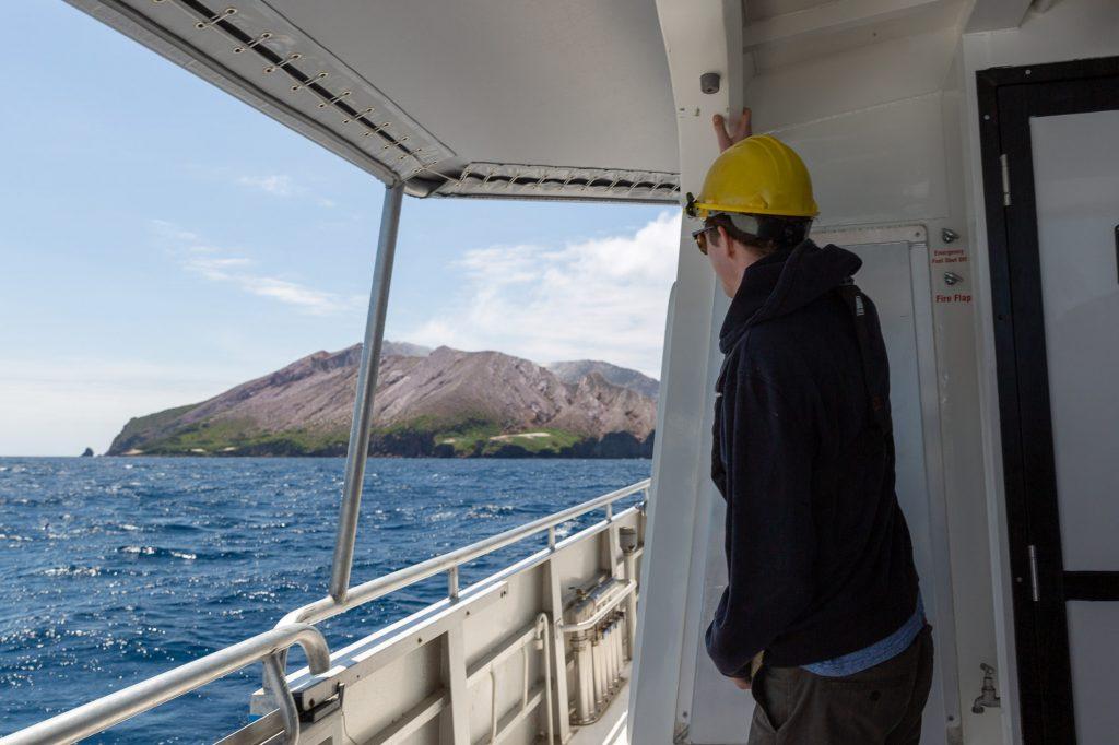 white island tours